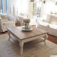olohuone,sohvapöytä,olohuoneen pöytä,moderni sisustus,valkoinen sisustus