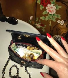 Sacs Design, Images Esthétiques, Wedding Nails For Bride, Boujee Aesthetic, Into The Fire, Nyc, Old Money, Super Party, Small Room Design