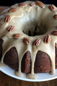 a hint of honey: Apple Cream Cheese Bundt Cake- the pecans remind me of Texas! Apple Recipes, Cake Recipes, Dessert Recipes, Food Cakes, Cupcakes, Cupcake Cakes, Just Desserts, Delicious Desserts, Yummy Treats