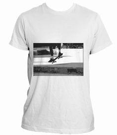 Campaña en crowdence 'Skating the box': La mejor camiseta si eres un verdadero amante del patinaje. Una camiseta que contiene una foto capturada en el aire.