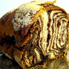 "Reminds me of ""The Dinner Party"" episode from Seinfeld with the Cinnamon Babka.  http://youtu.be/i78azsi7M94"