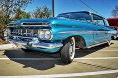 '59 Chevy Impala at The Heights Car Show last Spring ... ... #rebelrouserhotrods #garagelife #lowlifestyle #lowlife #hotrod #chevy #texas #impala #InstaDFW #kustomkulture #builtnotbought #kustom #hamb #carsandcoffee #dallas #texas #carshow #whitewalls #59impala #classiccar #americana