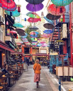 21 most famous places in Istanbul: photo points not to be missed! - Sofia From . - 21 most famous places in Istanbul: photo points not to be missed! Places To Travel, Places To Visit, Istanbul Travel, Istanbul City, Turkey Photos, Turkey Travel, Travel Alone, Travel Aesthetic, Solo Travel