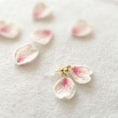 桜はなびらピアス