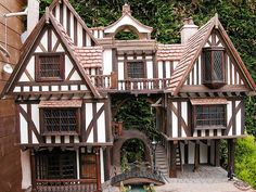 Examples - Gerry Welch Manorcraft Dolls Houses.  A river runs through it!