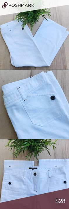 Theory white pant Crisp white denim. Two fun front pockets with buttons. Traditional back pockets.  ▪️ Measurements are approximate and taken while garment is laid flat:  Waist: 16in  Length: 31.5 in  Inseam: 24 in Theory Jeans Ankle & Cropped