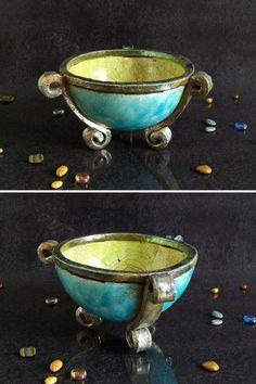 raku bowl cauldron, ceramic bowl, pottery pot classic shape ceremonial, tripod of Neptune Raku Pottery, Pottery Bowls, Ceramic Bowls, Pottery Ideas, Succulent Pots, Succulents, Planter Pots, Religious Rituals, Witches Cauldron