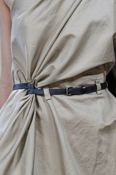 Beige dress with wrapped belt; close up fashion details // Bottega Veneta Spring 2014