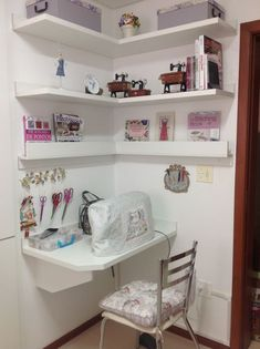 Ideas For Craft Room Sewing Table Offices Sewing Nook, Sewing Room Design, Sewing Room Storage, Sewing Room Organization, Craft Room Storage, Sewing Table, Sewing Studio, Corner Storage, Storage Ideas