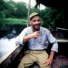 Humphrey Bogart takes a break on the set of The African Queen, directed by John Huston. Humphrey Bogart, Old Hollywood Stars, Classic Hollywood, Bogart Movies, Queen Movie, Bogie And Bacall, John Huston, Men Are Men, Old Movies
