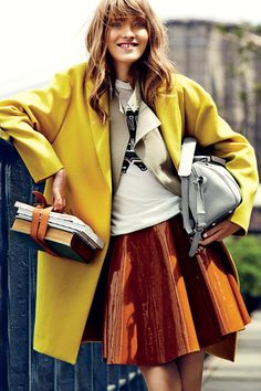 Swing into Fall with Pretty Pleated Skirts and Fun Flippy Minis High Fashion, Womens Fashion, Street Fashion, Street Style Women, Street Styles, Fall Skirts, Teen Vogue, Fashion Updates, Celebrity Look