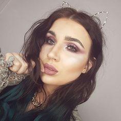 K I T T Y  Playing with pink tones.  eyes @makeupgeekcosmetics  Brows, lips and highlighter @colourpopcosmetics  Foundation @beccacosmetics  Setting powder @illamasqua  Contour @hourglasscosmetics  Lashes @xobeautyshop  #mystesebeauty #makeupgeek #makeupideas #colourpop #mattelips #pinkmakeup #highlighter #hourglasscosmetics #xobeauty #beccacosmetics #shaaanxo #contour #lashes #catears #motd #fashion #style #glittereyes #nz