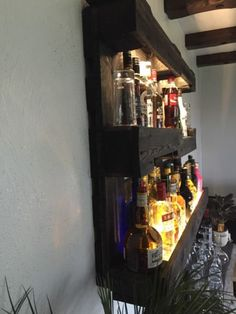 Euro Palette Bar Regal Flaschenregal mit LED's in Nordrhein-Westfalen - Eito. Alcohol Dispenser, Euro Pallets, Bar Shelves, Rack Shelf, Gin Gifts, Gin Recipes, Gin Bar, Garage Bar, Gin Bottles