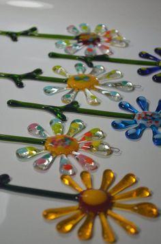 Listing for Bergstrom-Mahler Museum of Glass fused glass Flower Suncatchers Fused Glass Ornaments, Fused Glass Art, Stained Glass Art, Mosaic Glass, Glass Fusion Ideas, Glass Fusing Projects, Wine Bottle Candles, Glass Flowers, Art Flowers