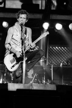 KEITH RICHARDS / BASEL, SWITZERLAND / JULY 29, 1995