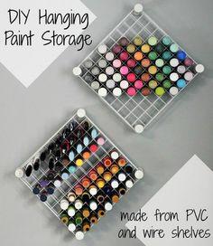 {DIY Hanging Paint Storage!}Excelente ideia para guardar suas tintas de artesanato