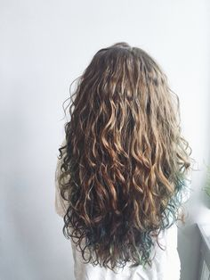 //camryncastle Best Picture For wavy hair lob For Your Taste You are looking for something, and it i Permed Hairstyles, Pretty Hairstyles, Wavy Hair, Her Hair, Hair Inspo, Hair Inspiration, Gorgeous Hair, Beautiful, Dye My Hair