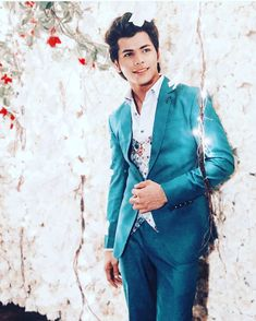 Siddharth Nigam New HD Wallpapers & High-definition images - Teen Celebrities, Celebs, Desi Boyz, Stylish Photo Pose, Saree Photoshoot, Stylish Dresses For Girls, Child Actors, Teen Actresses, Cute Actors