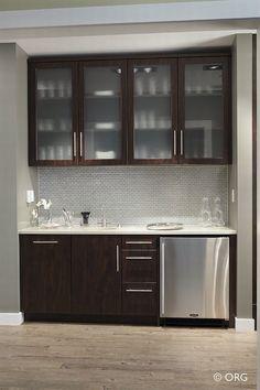Beautiful Sleek And Modern Wet Bar Design.