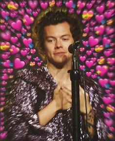 """harryforvogue: """"memories: and a match made in heaven """" real tea """" Harry Styles Mode, Harry Edward Styles, Meme Faces, Funny Faces, Heart Meme, Harry 1d, Cute Love Memes, Mr Style, One Direction Memes"""