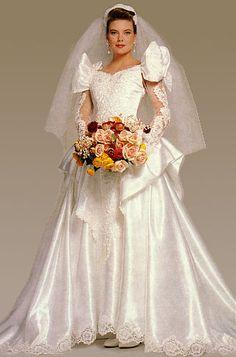 Sexy Stunning Wedding Dresses, Bridal Wedding Dresses, Bridal Style, Lace Wedding, Wedding Dress For Boys, Wedding Dress Sleeves, Vintage Gowns, Marie, Ball Gowns