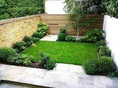 captivating-small-backyard-garden-design-ideas-also-green-grass-plus-wooden-fenc… faszinierende-kleine-Hinterhof-Garten-Design-Ideen-auch-grünes-Gras-plus-Holzzaun-sowie-rustikale-Ziegelmauer. Small Backyard Design, Small Backyard Gardens, Small Backyard Landscaping, Backyard Garden Design, Small Gardens, Backyard Patio, Landscaping Ideas, Backyard Ideas, Patio Design