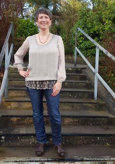 ootd mit Jeans von Please und Blusenshirt von Lindgroen