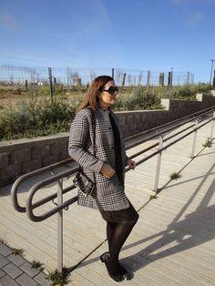 MODA EN PROVINCIAS: PATA DE GALLO Y PERLAS Hoy en mi blog, nuevo post! www.modaenprovincias.blogspot.com