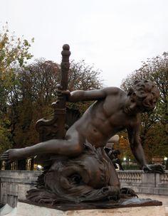 """""""Enfant au crabe"""" de Léopold Morice (1900)_Pont Alexandre III_(8è Arrt)_Paris (France)_2014-10-24 © Hélène Ricaud-Droisy (HRD)"""