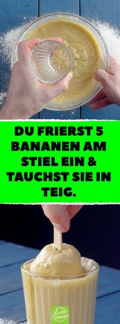 Du frierst 5 Bananen am Stiel ein & tauchst sie in Teig. Harmonie aus Zimt und Banane in einem Snack: Das Bananenbrot am Stiel! #Leckerschmecker #am Stiel #Banane #Bananenbrot #backen #Zimt