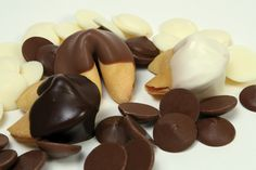 Custom fortune cookies are all fancy fortune cookies does, over 20 flavors of gourmet fortune cookies and any of them can be chocolate covered and personalized with your own fortune cookie messages. Cookie Wedding Favors, Cookie Favors, Party Favors, Food Network Recipes, Gourmet Recipes, Cookie Recipes, Chocolate Dipped Cookies, Chocolate Covered, White Chocolate
