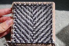 abmatic/k: Diagonal Weave on a Weave-it, photo tutorial