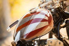 'Sub Zero' S&S Shovelhead – Gasolina - Gas tank - bear metal painted in stripes + clear coat