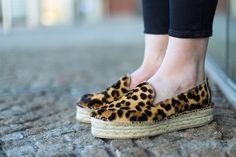 Las plataformas ahora también conquistan a las alpargatas, el calzado más tradicional se vuelve moderno