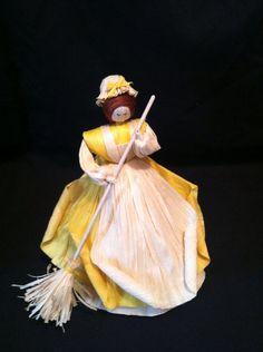 Sweeper Corn Husk Lady
