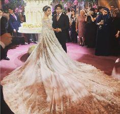 Madina Shokirova, vestido de noiva, princesa tajique