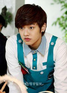 http://worldofnazelyatra.blogspot.com/2014/06/fakta-fakta-shin-won-ho-shin-cross-gene.html#.U8veii3Itw0