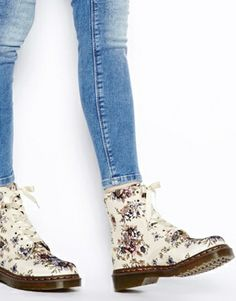 competitive price 666ff 3f7dd Enlarge Dr Martens Core Beckett Beige Wild Rose 8-Eye Boots Chaussures  Orthopédiques, Bottines