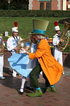 https://flic.kr/p/7CXkdi | Alice and the Mad Hatter | Their morning dance with the band.