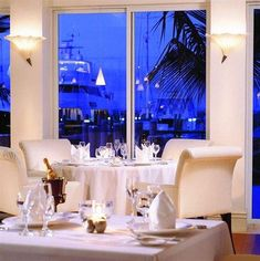 Old Bahama Bay Resort and Yacht Club- Fabulous dinner and impromptu dancing :) Great Places, Places Ive Been, Beautiful Places, Bahamas Resorts, The Good Place, Yacht Club, Table Decorations, Road Trips, Awesome
