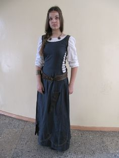 My very first side-laced kirtle.