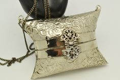 Vintage Purses, Victorian, Pillows, Vintage Handbags, Bed Pillows, Cushion, Vintage Bag, Cushions