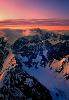 The Alaska Range at first light (by akcharly)