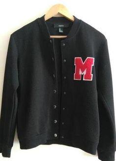 """Schwarze Collegejacke mit Logo """"M"""""""
