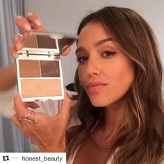 #Repost @honest_beauty Can we contour without a mirror? @hellogiggles and…