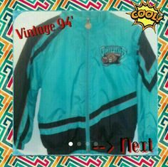 94' Starter Jacket,Vancouver Grizzlies,8 Youth Boy or Youth Girl Size: S 8. Excellent Condition! Just needs cleaning your way! :) Windbreaker