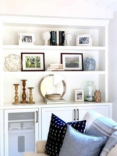 Recently, I went over to style my client's newly built living room bookcases. Here are my five bookshelf styling tips! 1. Empty all the shelves... Cozy Living Rooms, My Living Room, Living Room Decor, Small Living, Living Room Shelving, Modern Living, Dining Rooms, Styling Bookshelves, Decorating Bookshelves