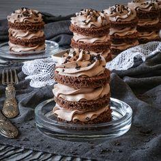 Mini Schoko Törtchen zum Geburtstag - Ahalni Sweet Home Torte Nutella, Mini Cakes, Goodies, Sweet Home, Pink, Blog, Photos, Best Cake Recipes, Sweet Recipes