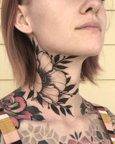 The perfect tattoos are the best art to express yourself. Whether on your arms, your neck, or your thighs, eye-catching tattoos are the ultimate decoration. Finger Tattoos, Girl Neck Tattoos, Neck Tattoos Women, Side Tattoos, Body Art Tattoos, New Tattoos, Small Tattoos, Sleeve Tattoos, Arabic Tattoos