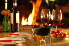 the night is begining Romantic Things, Chocolate Fondue, Red Wine, Alcoholic Drinks, Food And Drink, Beef, Dinner, Desserts, Portal